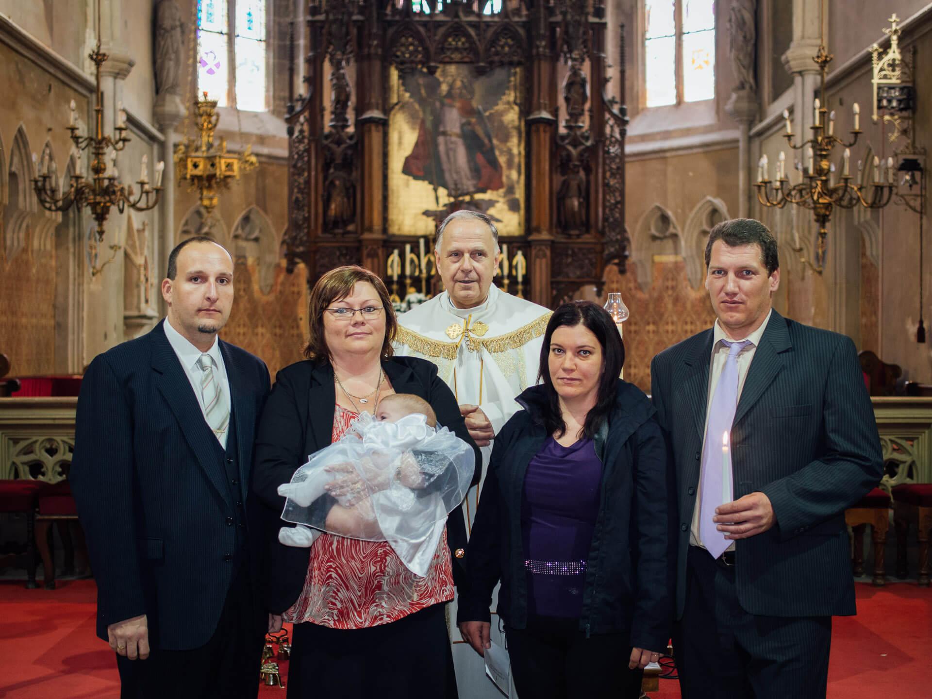 Viktória Keresztelője a Templomban
