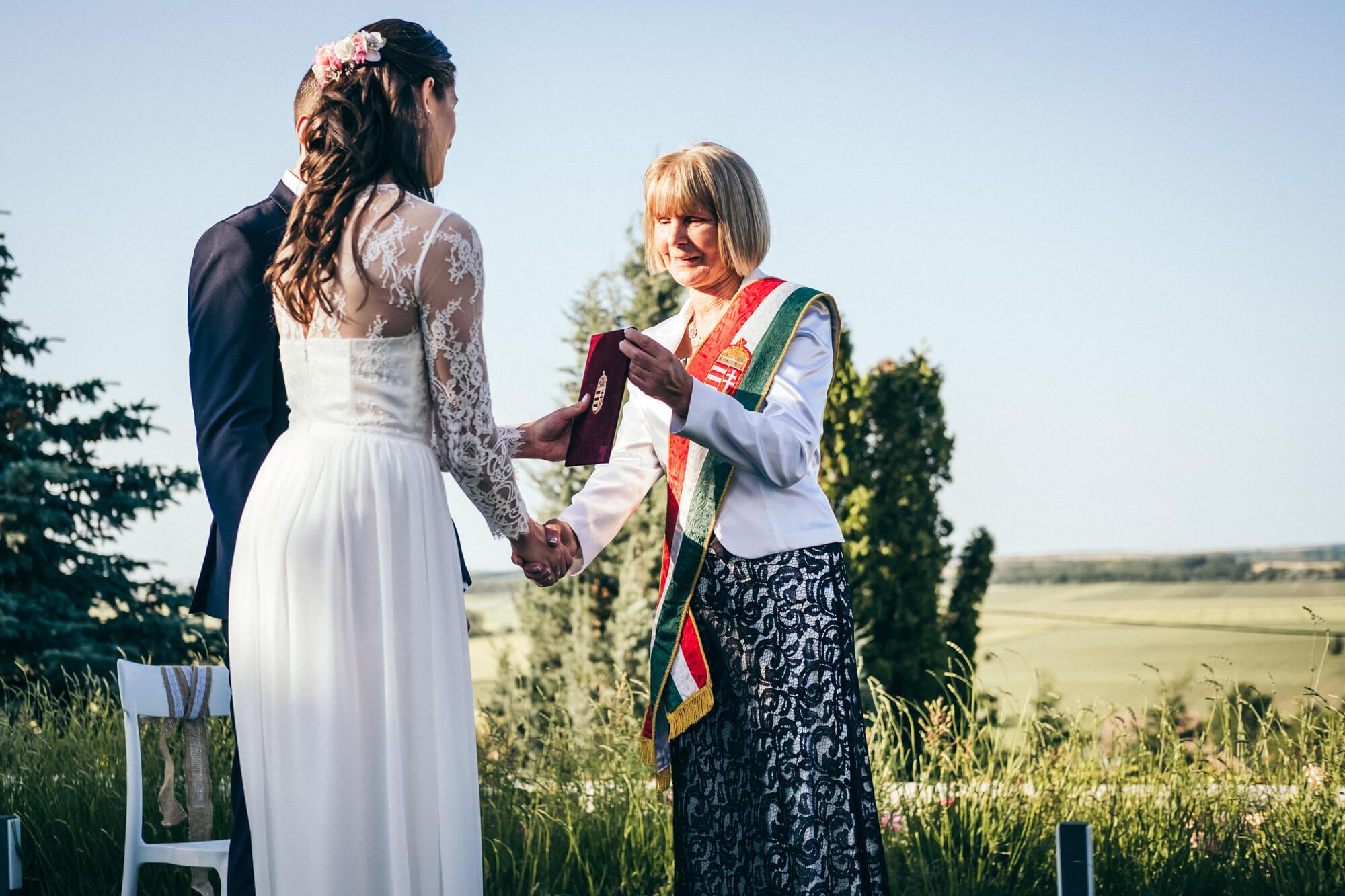 Vivien és Balázs esküvő Győrújbarát
